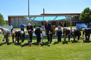 Governor Nixon joins Department of Mental Health, Office of Administration, and local elected officials for Fulton State Hospital groundbreaking.